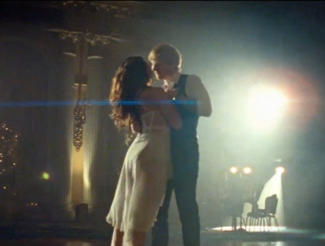 Video-Ed-Sheeran-Thinking-Out-Loud_image_1200